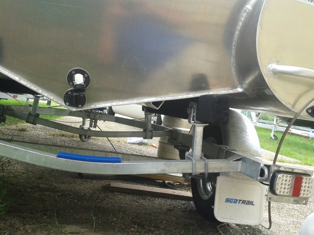 OCEAN CRAFT 3800 DIVER AMSA ULTRA DEEP VEE 30HP Transom Anchor Retainer All round grab rope