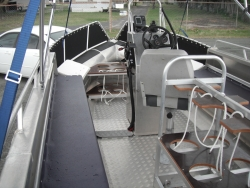 OCEAN CRAFT ULTRA DEEP VEE Caloundra Class 6000 DIVER 6 Metre 140HP Rated Transom Centre Console bow and stern grab rails bilge well and 8 * Tie downs easy launch and load trailer