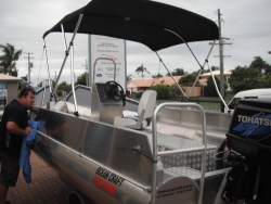 OCEAN CRAFT ULTRA DEEP VEE Chinook 5200 DIVER 5.2 Metre 70HP Rated Transom Centre Console bow and stern grab rails bilge well and 8 * Tie downs easy launch and load trailer